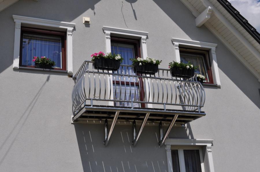 Tarasy i balkony – jak dobrać odpowiednią balustradę?